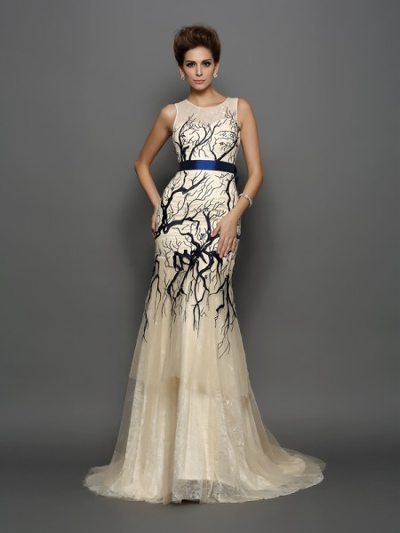 Trumpet/Mermaid Scoop Sleeveless Tulle Court Train Prom/Evening Dresses with Applique
