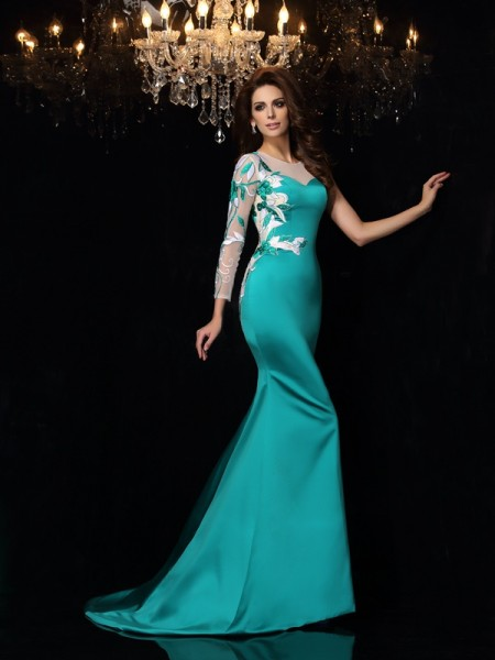 Trumpet/Mermaid Sleeveless Scoop Court Train Satin Evening/Formal Dresses with Beading