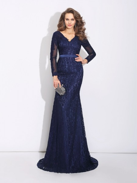 Sheath/Column Long Sleeves V-neck Sweep/Brush Train Evening Dress with Lace