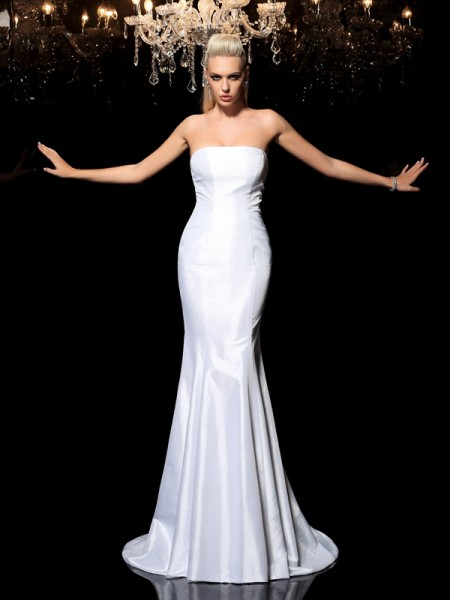 Sheath/Column Strapless Sleeveless Sweep/Brush Train Satin Evening Dress