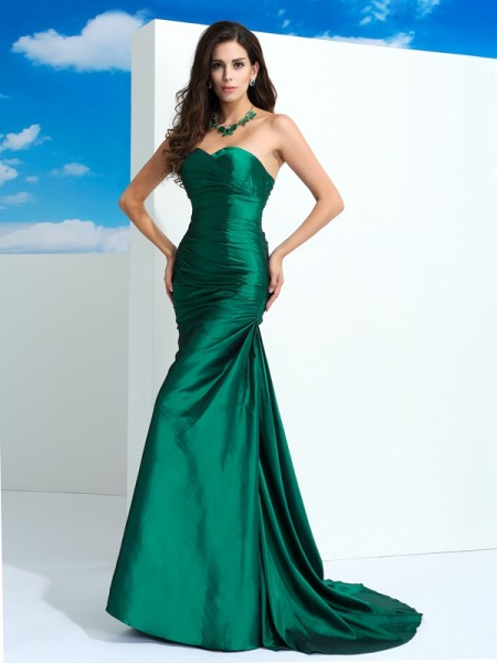 Sheath/Column Sweetheart Sleeveless Sweep/Brush Train Taffeta Evening Dress with Pleats