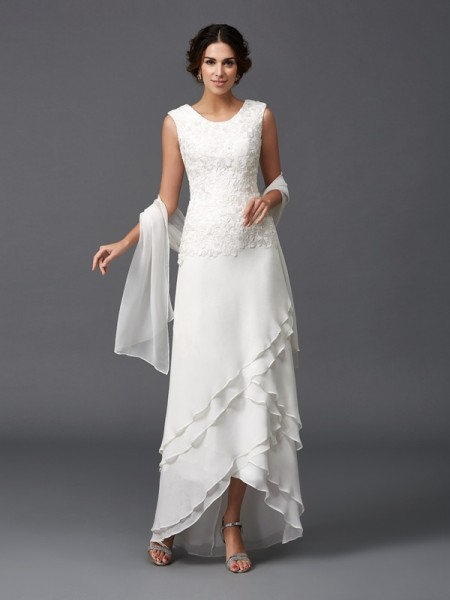A-Line/Princess Scoop Sleeveless Asymmetrical Chiffon Mother Of The Bride Dress with Lace