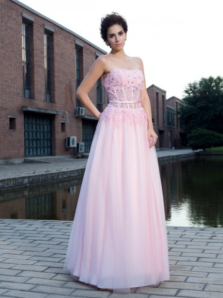 A-Line/Princess Sleeveless Straps Net Floor-Length Prom Dress with Applique
