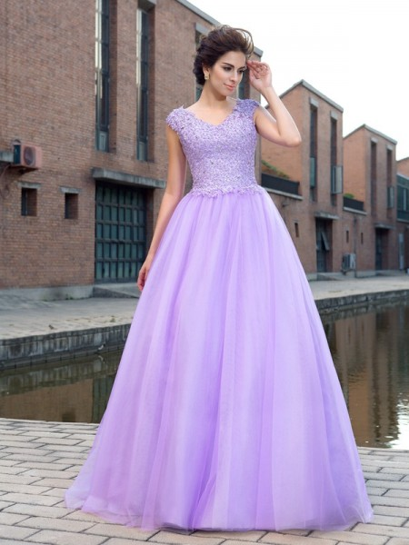 Ball Gown V-neck Short Sleeves Net Floor-Length Prom Dress with Applique