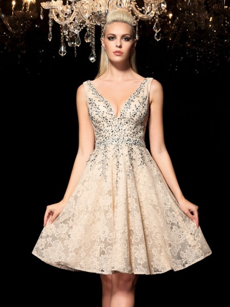 A-Line/Princess V-neck Sleeveless Short/Mini Cocktail Dress with Lace with Beading