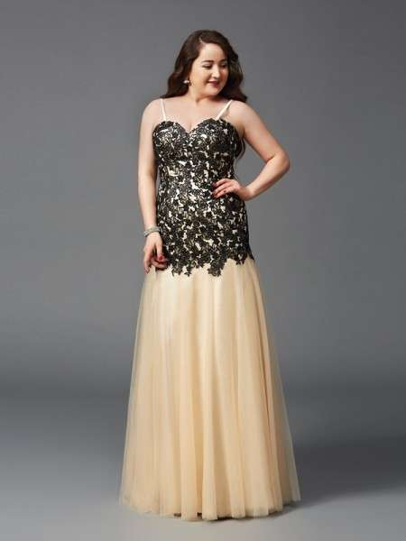 Sheath/Column Spaghetti Straps Sleeveless Floor-Length Net Plus Size Prom Dress with Applique
