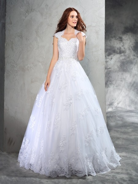 Ball Gown Sweetheart Sleeveless Court Train Organza Wedding Dress with Lace
