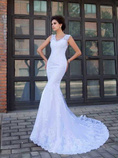 Trumpet/Mermaid V-neck Sleeveless Satin Chapel Train Wedding Dress with Applique