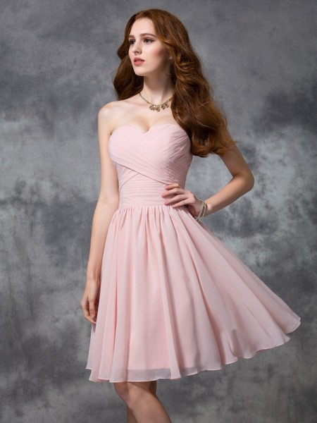 A-line/Princess Sleeveless Knee-length Sweetheart Chiffon Bridesmaid Dress with Ruched