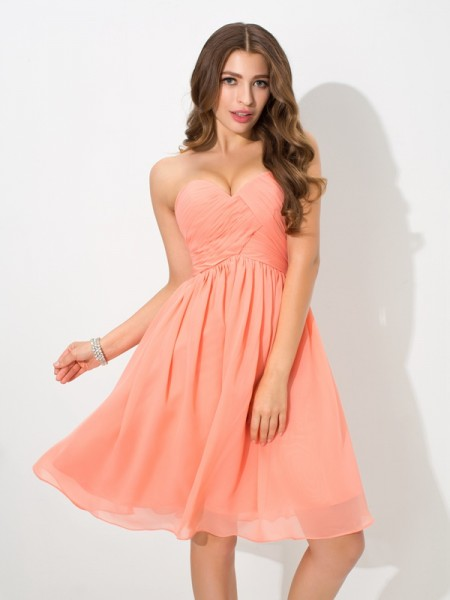 A-Line/Princess Sweetheart Sleeveless Knee-Length Chiffon Bridesmaid Dress with Pleats