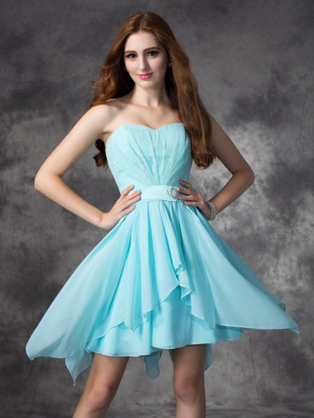 A-line/Princess Sweetheart Chiffon Short Bridesmaid Dress with Ruffles