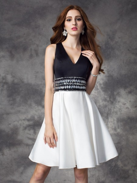 A-line/Princess V-neck Sleeveless Short/Mini Satin Cocktail Dress with Rhinestone