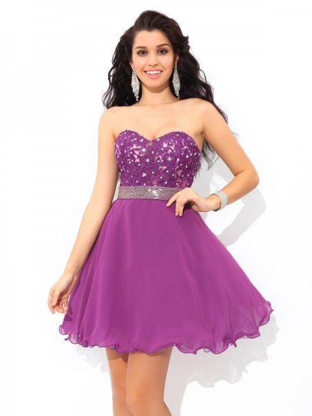 A-Line/Princess Sweetheart Short/Mini Chiffon Cocktail Dress with Beading
