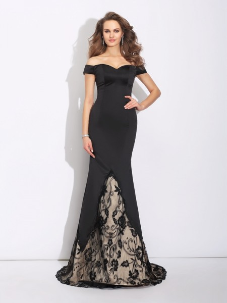 Trumpet/Mermaid Off-the-Shoulder Sleeveless Sweep/Brush Train Satin Evening Dress with Lace