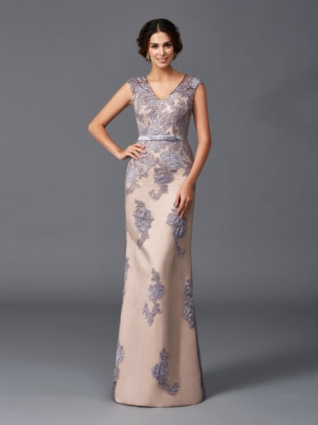 Sheath/Column Sleeveless Straps Floor-Length Satin Evening Dress with Applique