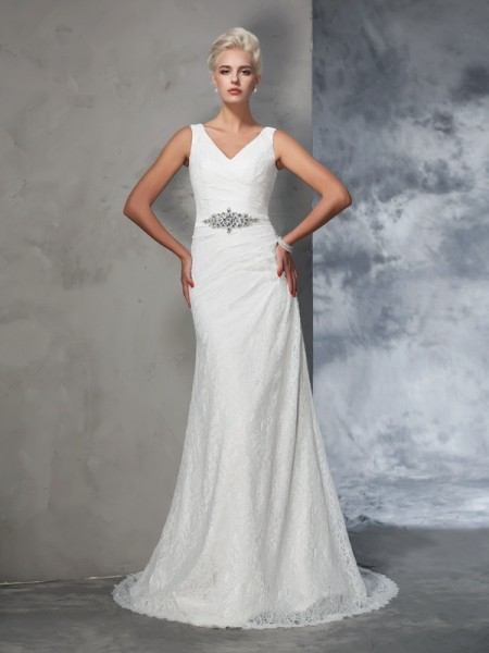 Trumpet/Mermaid Sleeveless V-neck Court Train Wedding Dress with Lace