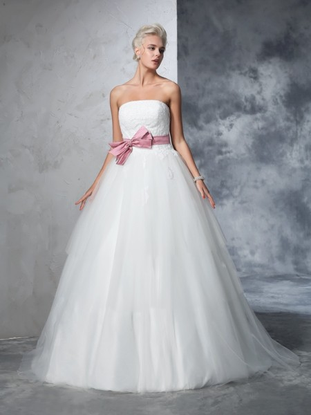 Ball Gown Sleeveless Strapless Net Court Train Wedding Dress with Bowknot