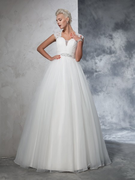 Ball Gown Sleeveless Sweetheart Tulle Sweep/Brush Train Wedding Dress with Ruched