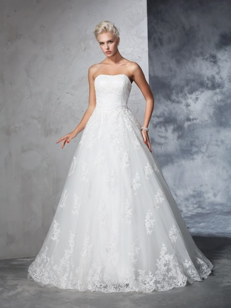 Ball Gown Sleeveless Strapless Court Train Wedding Dress with Lace