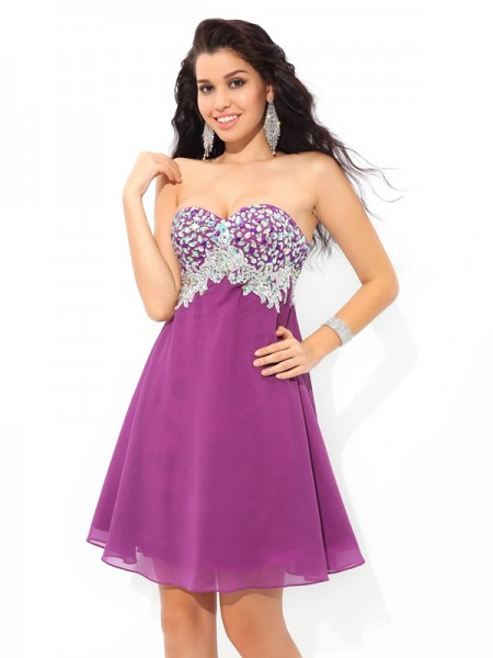A-Line/Princess Sweetheart Chiffon Cocktail Dress with Rhinestone