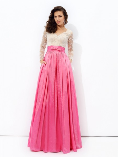 A-Line/Princess V-neck Long Sleeves Floor-Length Taffeta Evening Dress with Lace