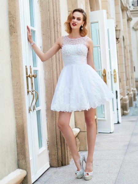 A-Line Jewel Pearls Short Lace Homecoming Dresses