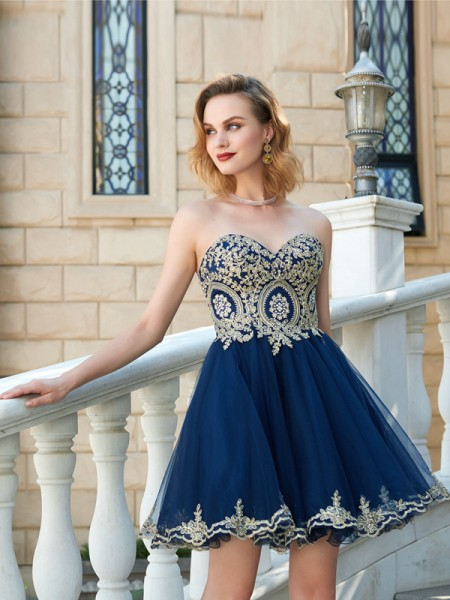 A-Line Sweetheart Applique Short Net Homecoming Dresses