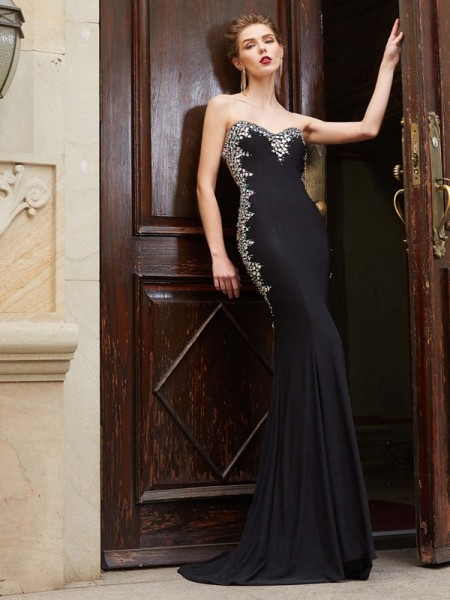 Sheath/Column Sweetheart Sleeveless Spandex Sweep/Brush Train Dress with Sequin