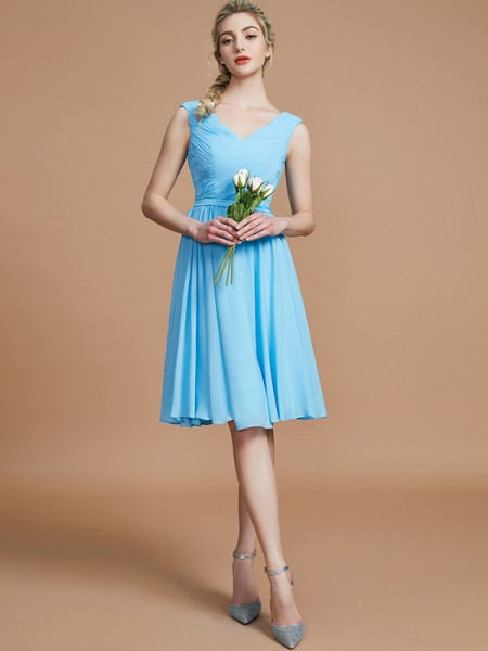 A-Line/Princess V-neck Short/Mini Chiffon Bridesmaid Dresses with Ruched