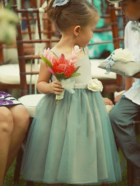 A-Line/Princess Square Tea-Length Tulle Flower Girl Dresses with Hand-Made Flower