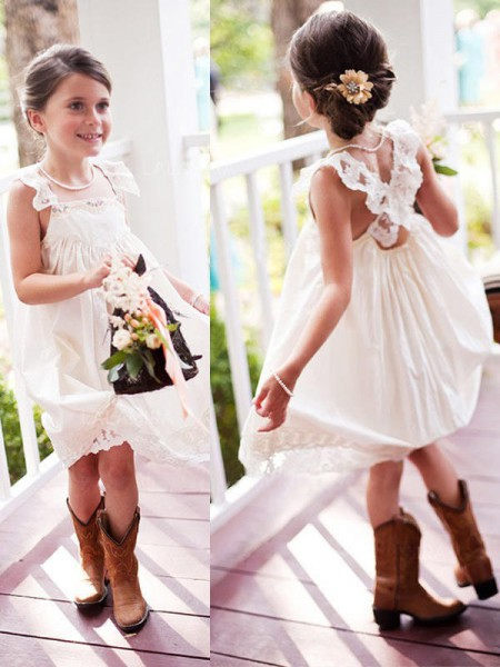 A-Line/Princess Square Knee-Length Chiffon Flower Girl Dresses with Lace
