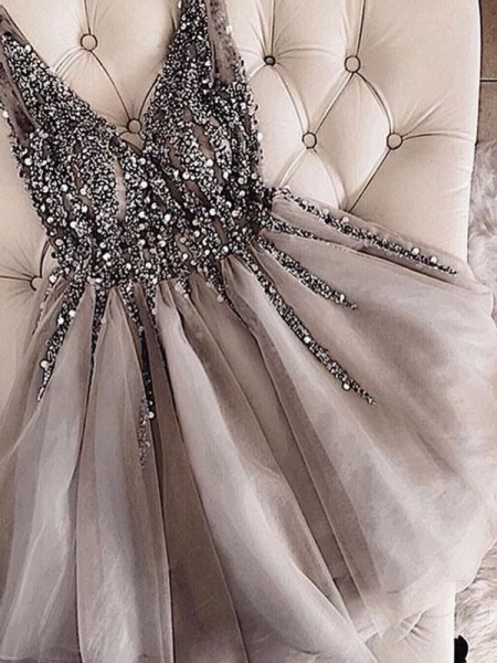 A-Line/Princess V-neck Tulle Sequin Short Dresses