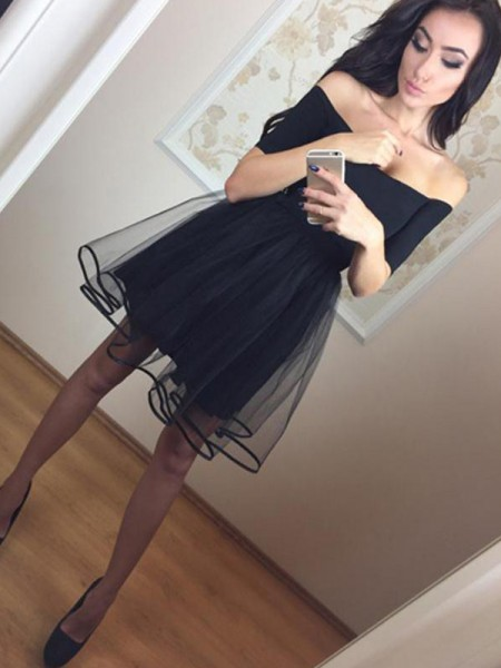 A-Line/Princess Off-the-Shoulder Tulle Short Dresses
