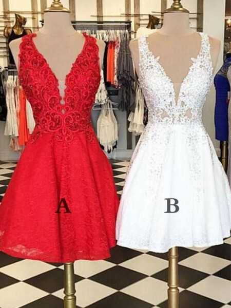 A-Line/Princess Bateau Lace Short Dresses with Applique
