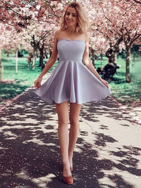 A-Line/Princess Strapless Satin Short Dresses with Ruffles