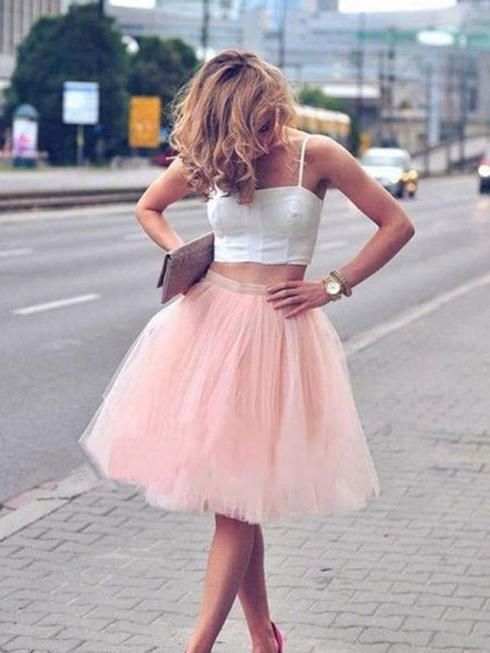 A-Line/Princess Tulle Spaghetti Straps Knee-Length Two Piece Dresses with Pleats