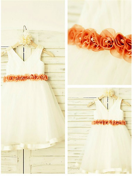 A-line/Princess V-neck Sleeveless Tea-Length Tulle Flower Girl Dresses with Hand-made Flower