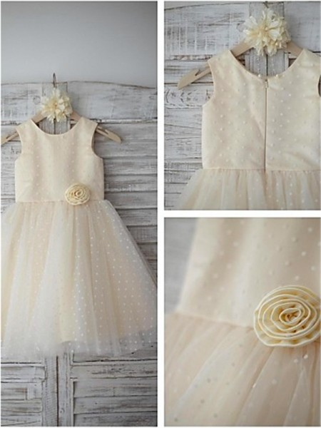 A-line Scoop Sleeveless Tea-length Tulle Flower Girl Dresses with Hand-made Flower