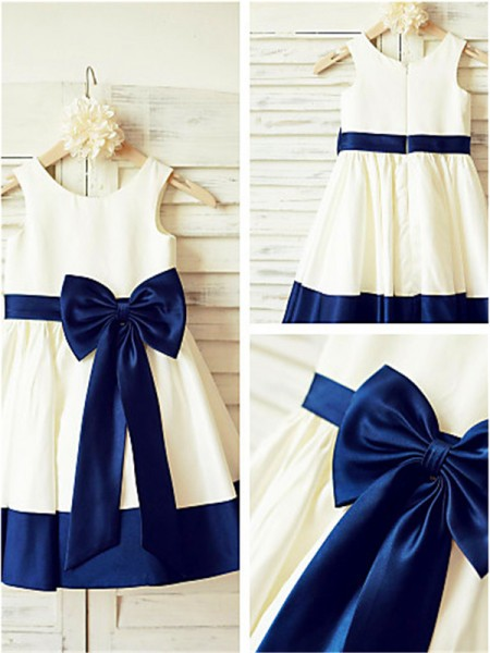 A-line/Princess Scoop Sleeveless Knee-Length Taffeta Flower Girl Dresses with Bowknot