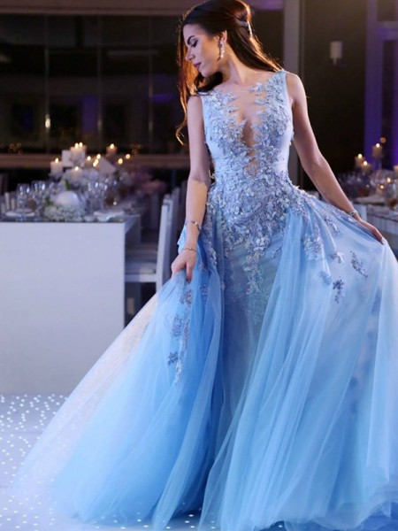 Ball Gown Scoop Sweep/Brush Train Tulle Dresses with Applique