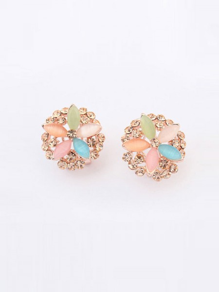 Occident Fashionable Five Flowers Exquisite Ear Clip