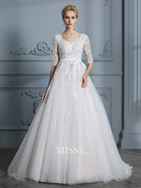 Ball Gown V-neck Court Train Tulle Wedding Dresses with Lace