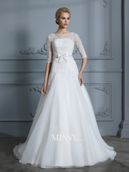 A-Line/Princess Scoop Court Train Tulle Wedding Dresses with Lace