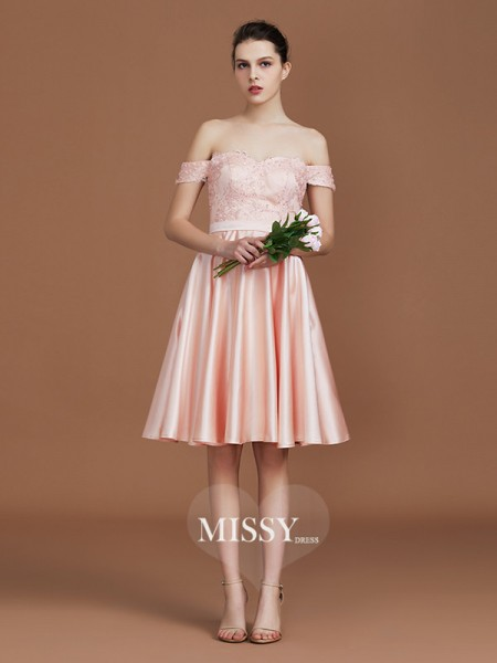A-Line/Princess Sweetheart Knee-Length Off-the-Shoulder Satin Bridesmaid Dresses with Applique