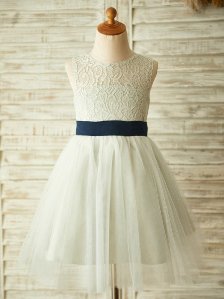 A-Line/Princess Tulle Scoop Sleeveless Knee-Length Flower Girl Dresses with Lace