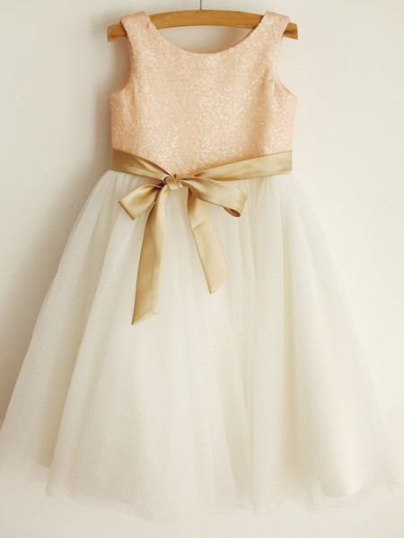 A-Line/Princess Scoop Sleeveless Tulle Knee-Length Flower Girl Dresses with Sequin