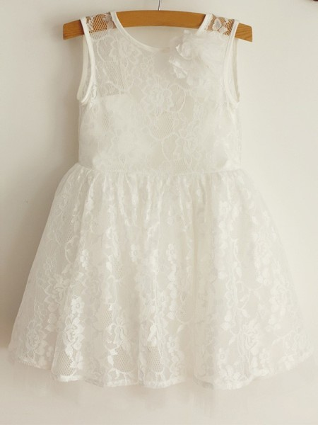 A-Line/Princess Scoop Sleeveless Tulle Knee-Length Flower Girl Dresses with Lace