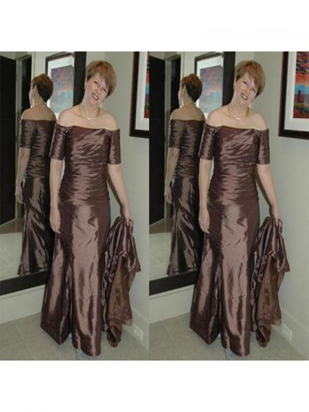 Sheath/Column Off-the-Shoulder Floor-Length Elastic Woven Satin Mother Of The Bride Dresses with Ruched