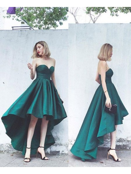 A-Line/Princess Satin Sweetheart Sleeveless Asymmetrical Homecoming Dresses with Ruffles