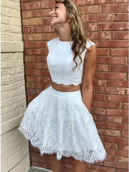 A-Line/Princess Lace Scoop Sleeveless Short/Mini Homecoming Dresses